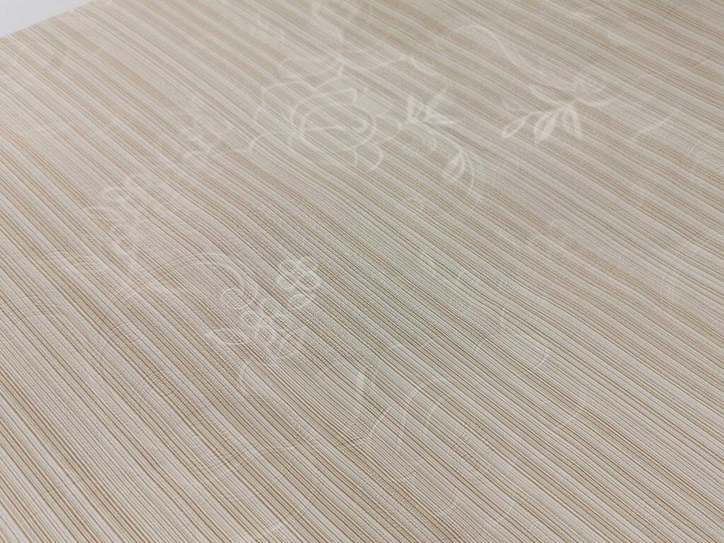 autocolant-lemn-bej-cu-model-discret-folina