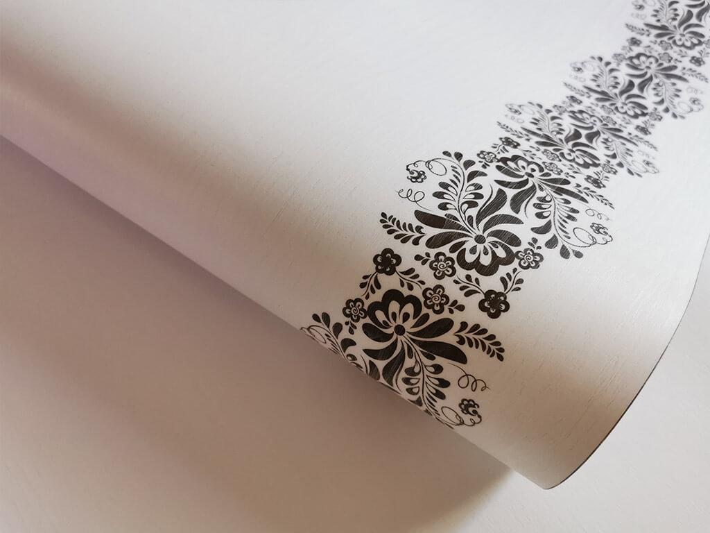 autocolant-lemn-alb-cu-model-floral-maro-bella-folina-2111