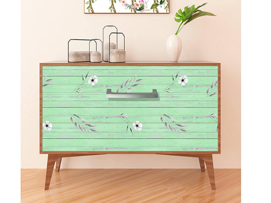 autocolant-mobila-lemn-vernil-cu-flori