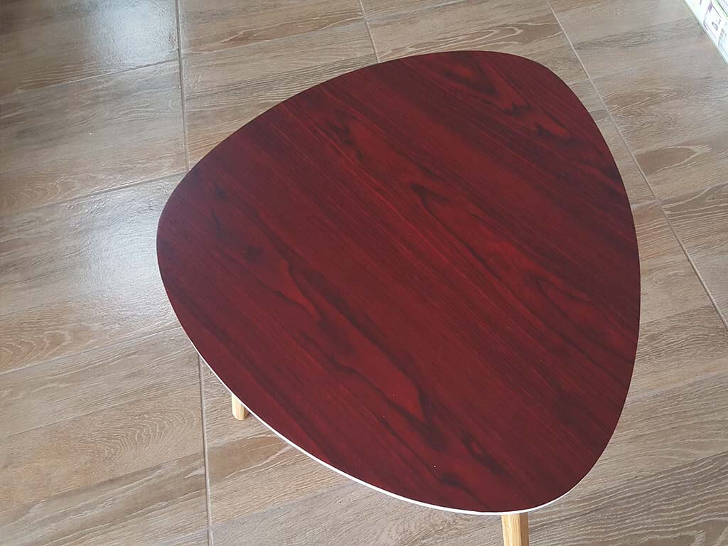 autocolant-mobila-lemn-maro-rosiatic-roni