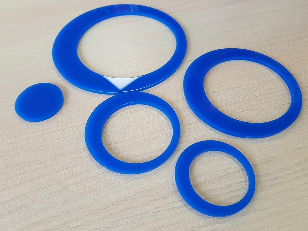 decoratiune-acril-cercuri-albastre-2477