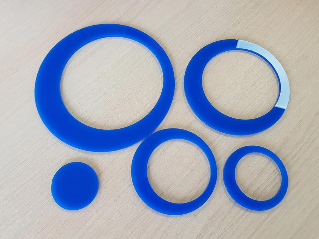 decoratiune-perete-cercuri-albastre-5655