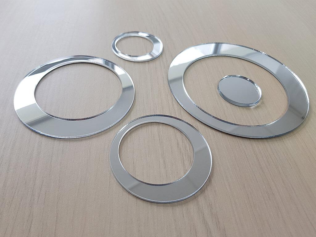 decoratiune-perete-cercuri-oglinda-argintie-2053