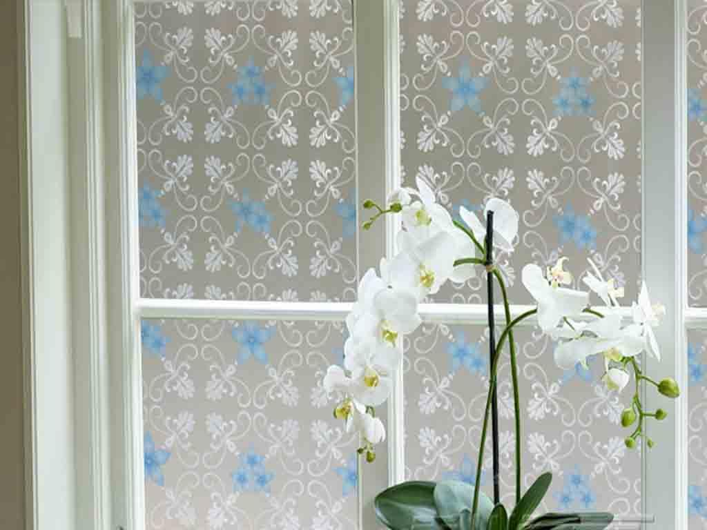 folie-sablare-decorativa-flori-albastre-7175