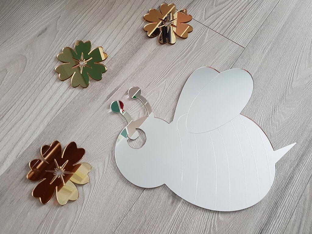 stickere-oglinda-flori-si-albina-5630