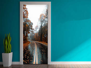 Autocolant uşă Autumn road, Folina, model multicolor, dimensiune autocolant 92x205 cm