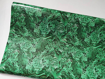 Autocolant decorativ Elly, Folina, cu model abstract verde - 100 cm lăţime