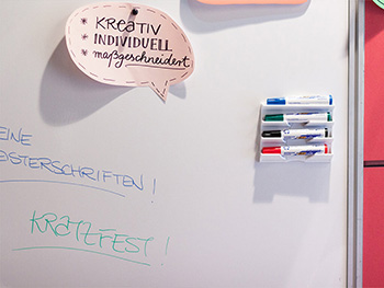 Autocolant whiteboard magnetic